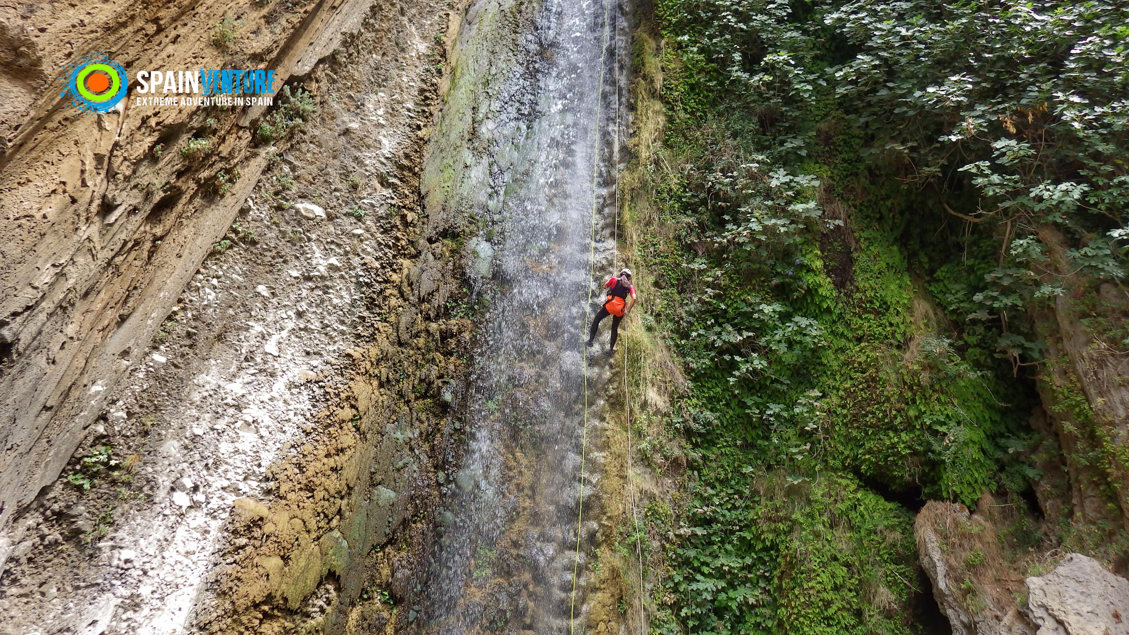 Spainventure Caminito del Rey Barranquismo en Ronda Rapel en la cascada Canyoning & Rappeling